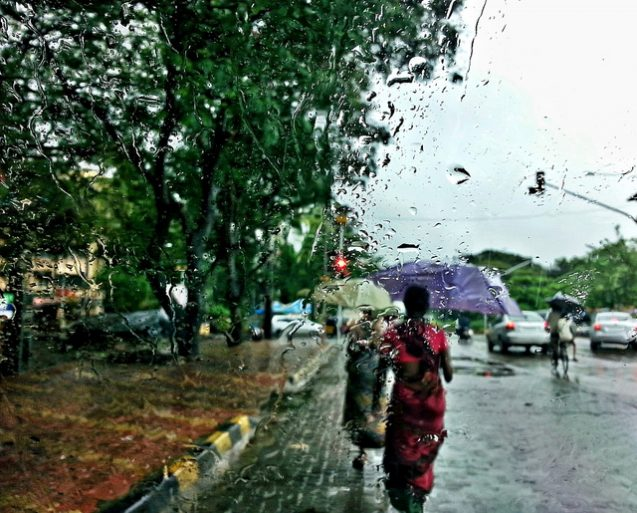 Rain in Mumbai. Photo by Flickr user abhijit chendvankar
