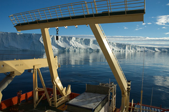 Scientists aboard the Nathaniel B. Palmer visited the Amundsen Sea region in 2009 to study oceanic changes.  Credit: Frank Nitsche, Lamont-Doherty Earth Observatory.